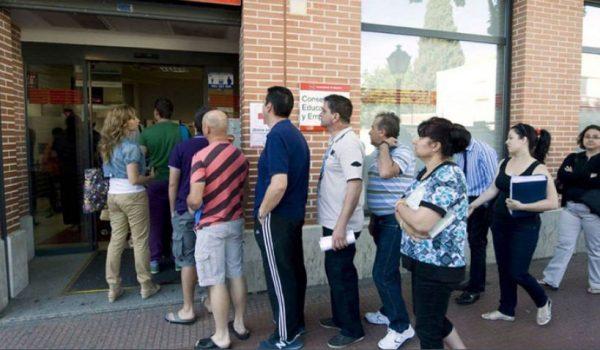 El paro entre periodistas sigue bajando hasta los 24.900 desempleados