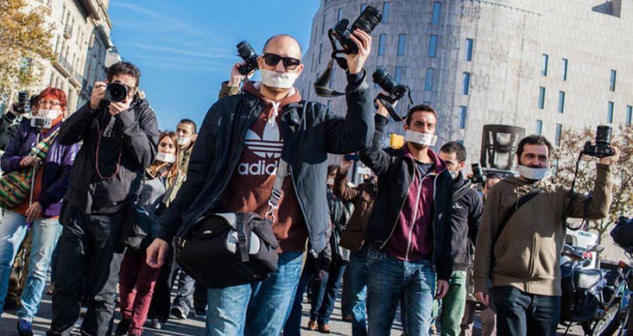Más de 200 asociaciones piden la derogación de la Ley Mordaza