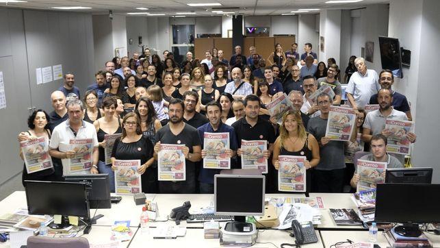 Los trabajadores y ex trabajadores de El Correo de Andalucía defienden la cabecera centenaria. Pepo Herrera
