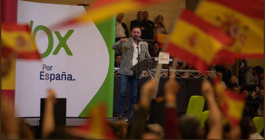 Santiago Abascal corrige a Víctor González sobre el cierre de laSexta