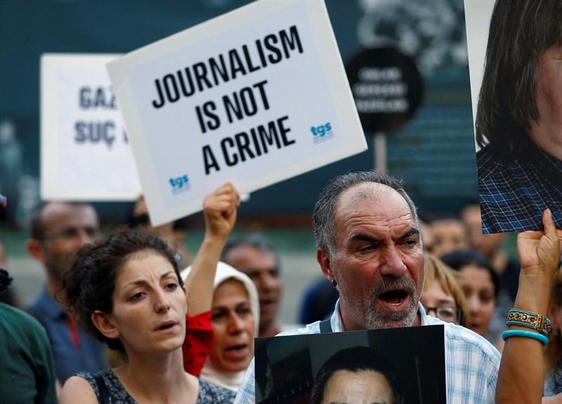 Un informe de Freedom House denuncia que la libertad de los medios de comunicación se ha deteriorado en todo el mundo durante la última década