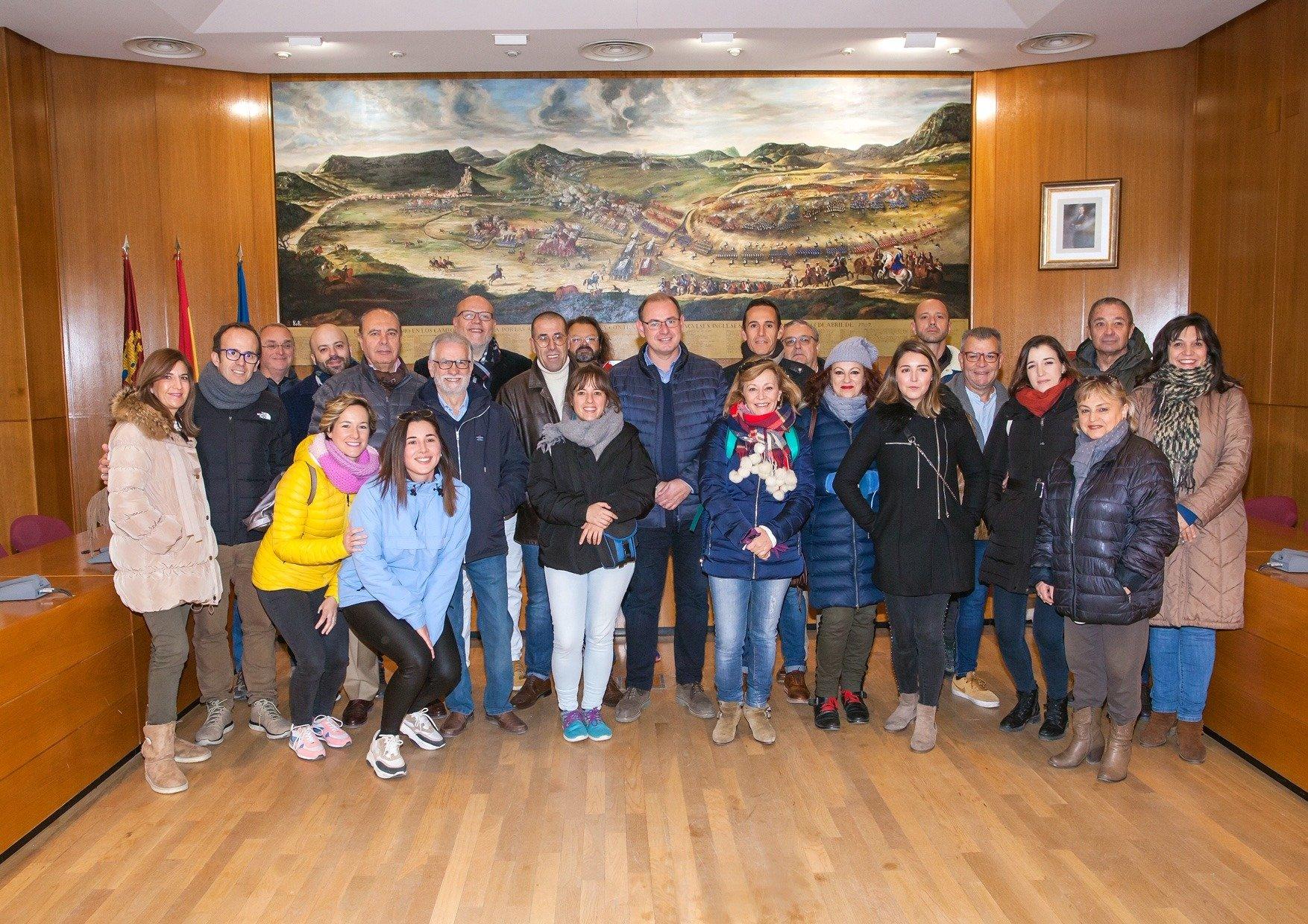 Javier Roselló, alcalde de Almansa, recibe a la Asociación de Periodistas de Albacete