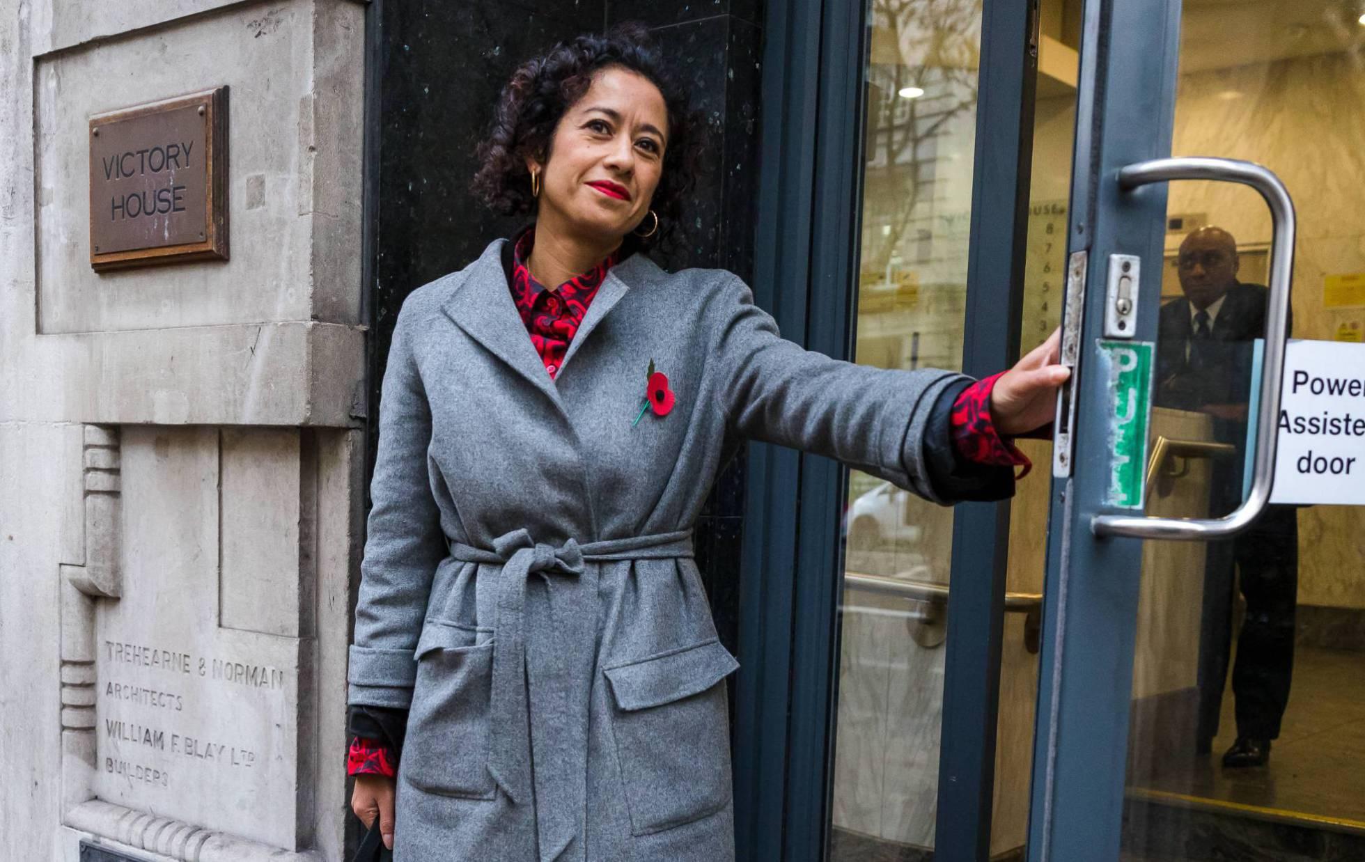 La BBC, condenada por pagar menos a una periodista por ser mujer