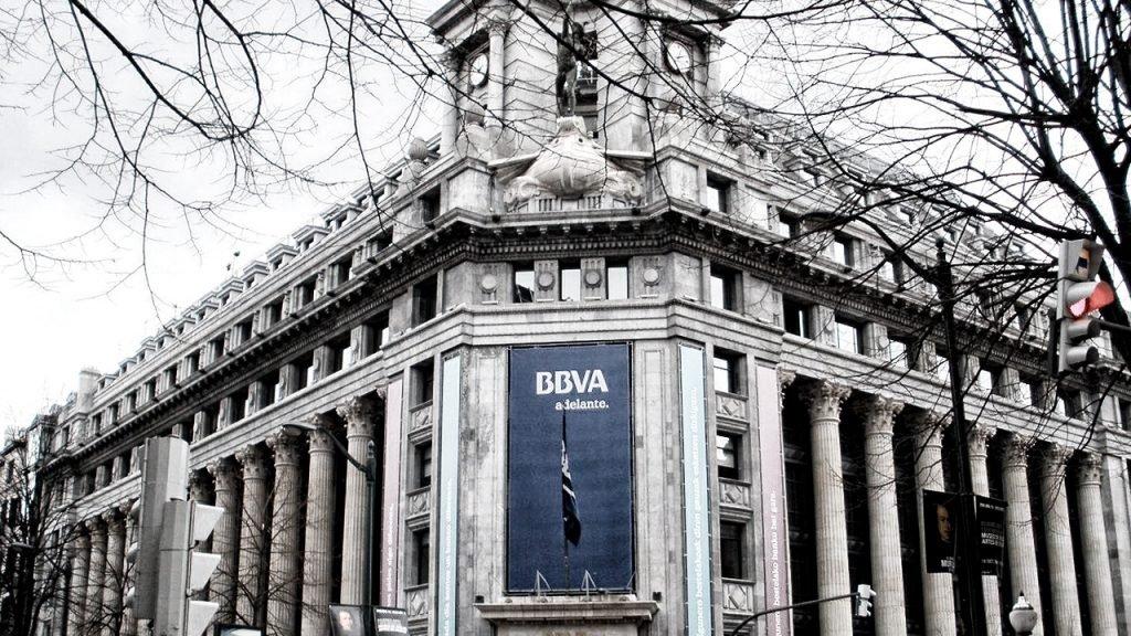 Las asociaciones de prensa condenan el espionaje a periodistas por parte del BBVA