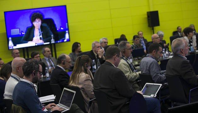 Periodistas de distintas nacionalidades asistentes en una rueda de prensa. EP