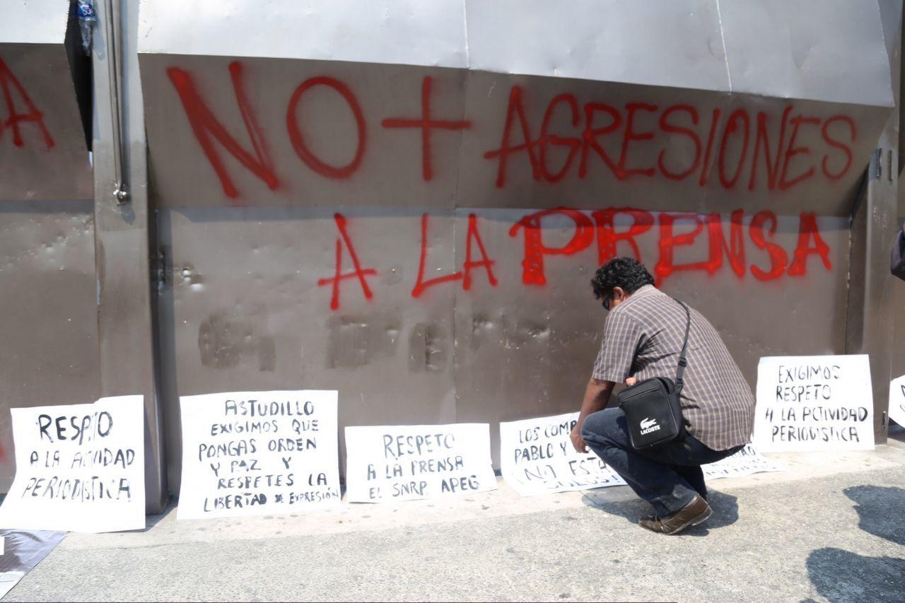 La imagen corresponde a una protesta realizada en mayo de 2018, en la que periodistas de Guerrero exigieron a las autoridades del estado que les dieran garantías de seguridad para ejercer su profesión. (Cuartoscuro)