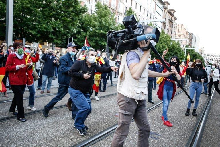La FAPE asume y respalda el comunicado de la APM en el que condena enérgicamente las agresiones sufridas por profesionales de RTVE y Telemadrid