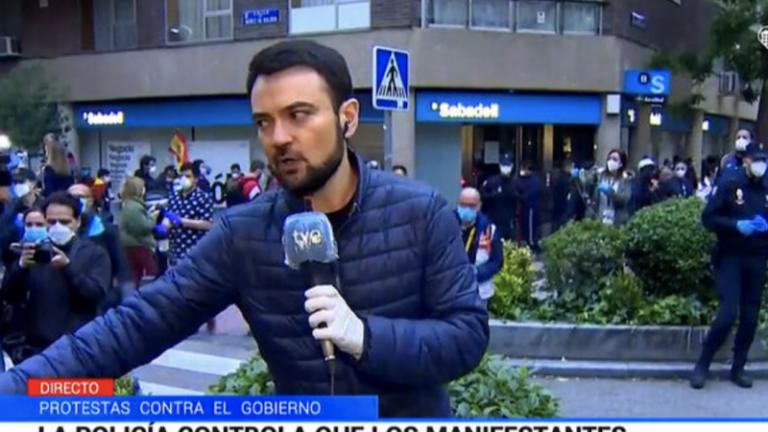 El Consejo de Informativos de TVE pide a los manifestantes que no pongan en peligro a periodistas