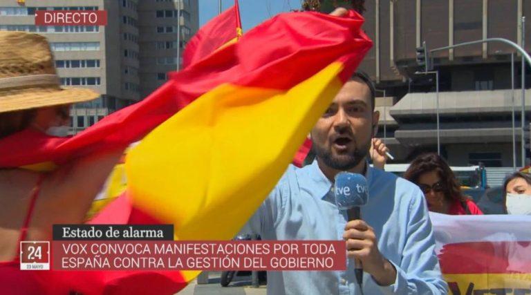 RSF advierte a VOX que alimentar el odio a la prensa se traduce en agresiones a periodistas Leer más: https://www.rsf-es.org/news/espana-rsf-advierte-a-vox-que-alimentar-el-odio-a-la-prensa-se-traduce-en-agresiones-a-periodistas/