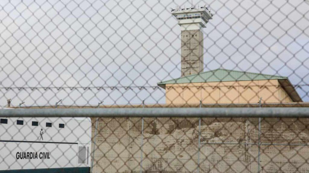 Interior regula por primera vez las entrevistas de los presos con los periodistas