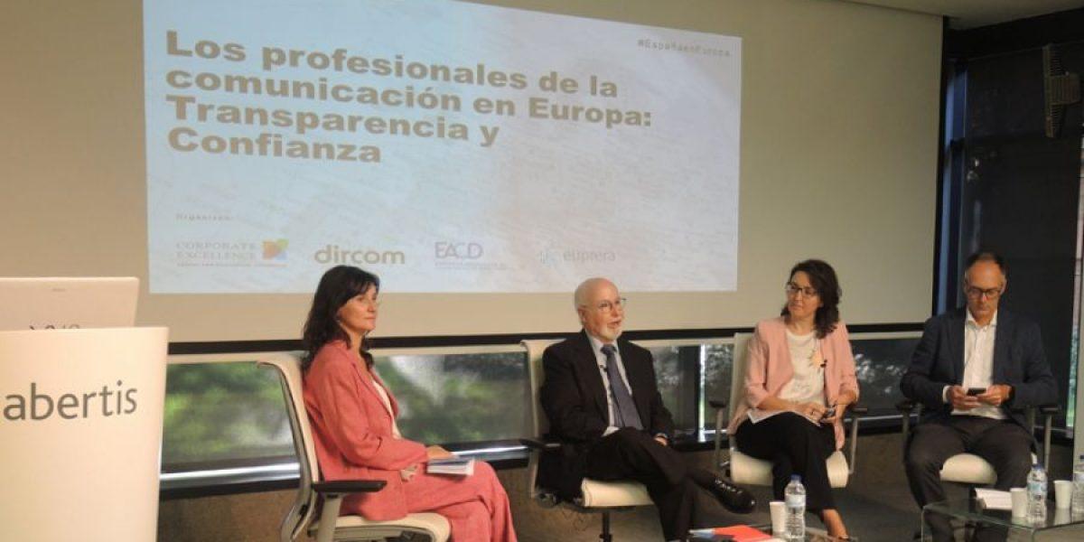 El bajo nivel de confianza en su oficio, principal reto de los profesionales de la comunicación
